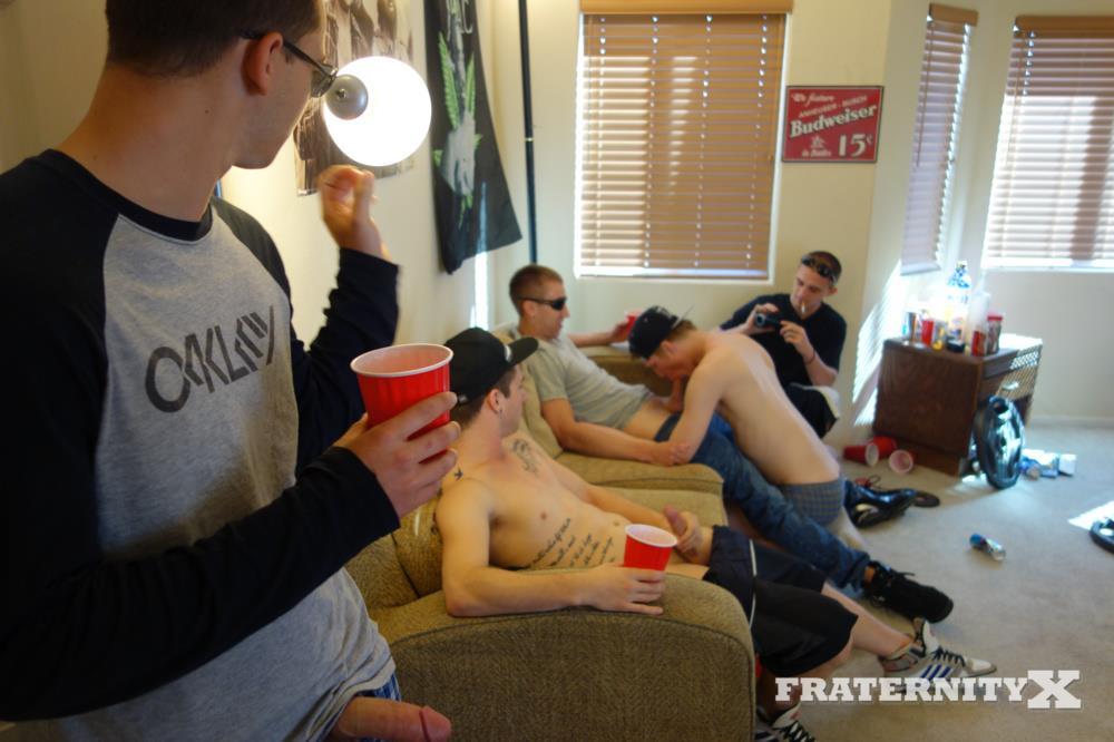 Fraternity-X-Naked-Frat-Guys-Bareback-Sex-Party-Big-College-Cock-Amateur-Gay-Porn-03.jpg