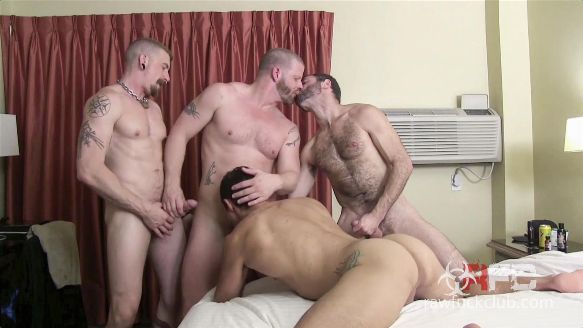 Raw-Fuck-Club-Dylan-Saunders-and-Dusty-Williams-and-Jeff-Kendall-and-Jeremy-Stevens-BBBH-Amateur-Gay-Porn-10 Big Cock Amateur Hotel Bareback Sex Party