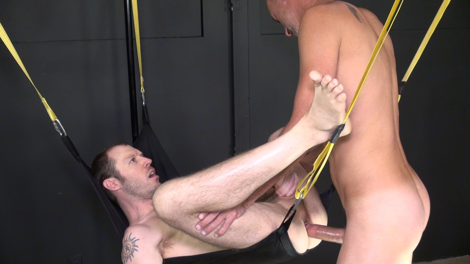 Raw-and-Rough-Blake-Dawson-and-Super-Steve-Horse-Cock-Bareback-Breeding-Amateur-Gay-Porn-05 Huge Cock Bareback Breeding A Tight Hole In A Sex Sling