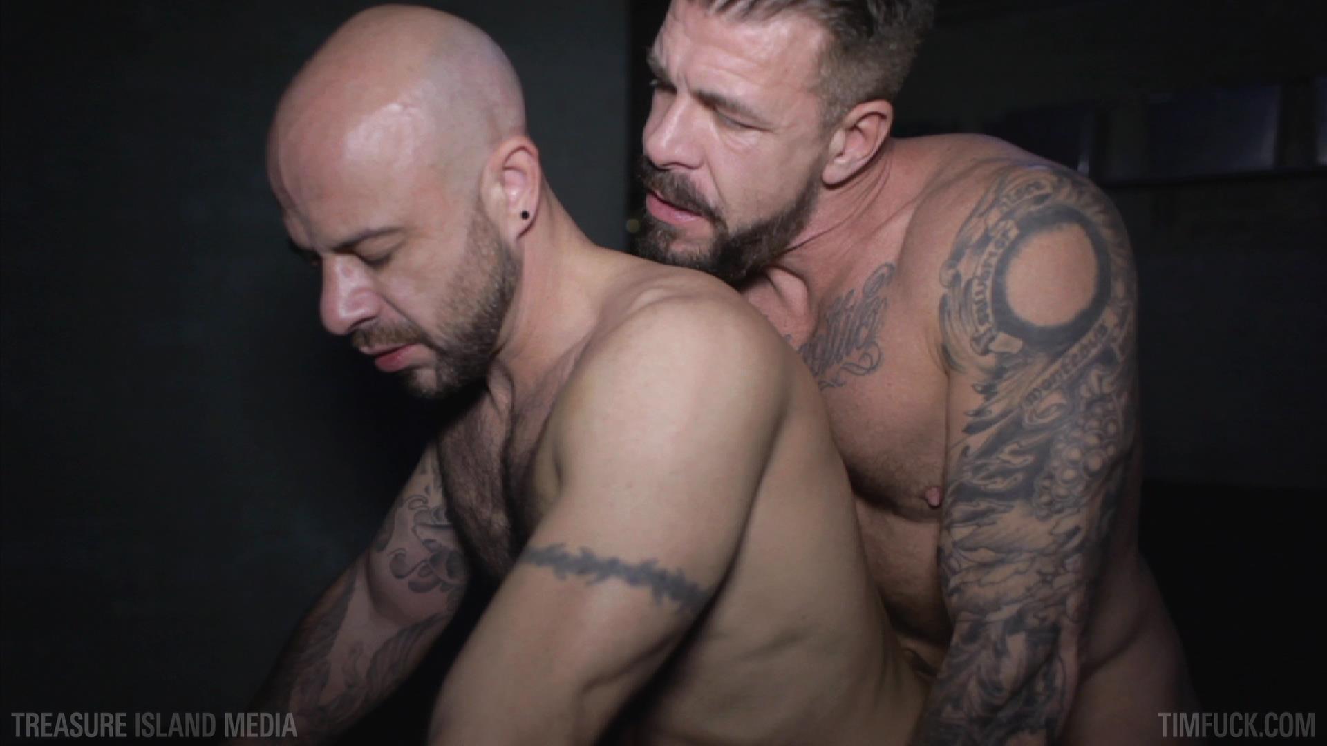 Treasure-Island-Media-TimFuck-Rocco-Steele-and-Ben-Statham-Bareback-Amateur-Gay-Porn-01.jpg